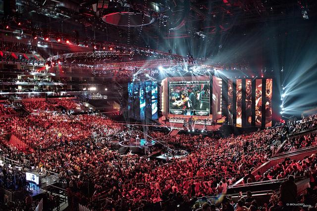 eSports Markt: Super Atmosphäre bei einem League of Legends Turnier