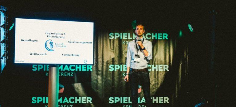 Keynotes & Seminare zur Kommerzialisierung des Fußballs