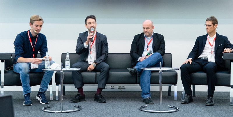 Diskussion zur digitalen Transformation bei der FUTURE OF FOOTBALL BUSINESS Conference 2018 [Foto: Christof Hüter]