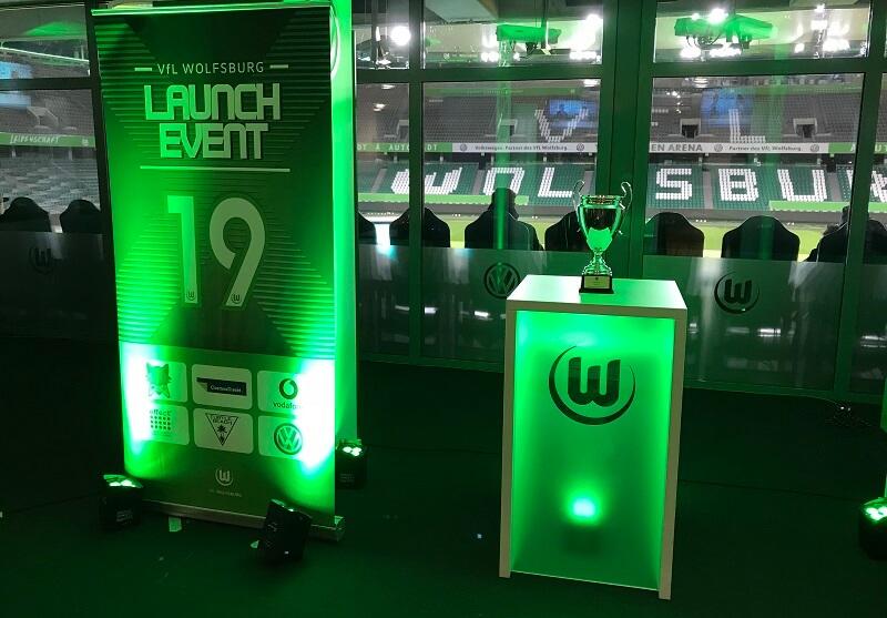 Um diesen Pokal ging es beim FIFA19 Launch Event beim VfL Wolfsburg
