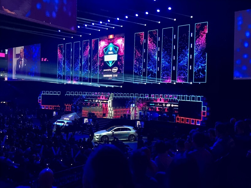 Atemberaubende Atmosphäre bei eSports-Events (ESL One in Hamburg)