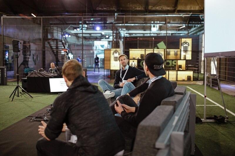 Die Diskussion zu Erfolgsmodellen im Fußball-Marketing bei den Football Industry Rockstars
